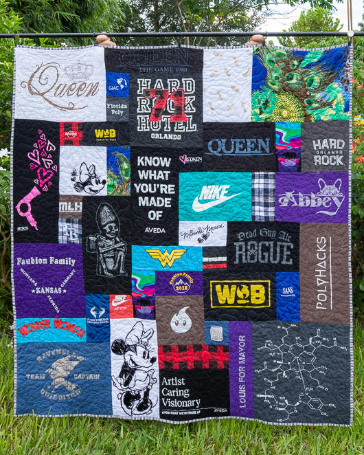 Review of t-shirt quilt by Rhapsody red