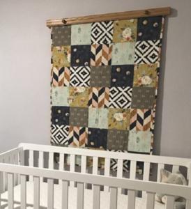 Wooden Hanger to Display Quilt